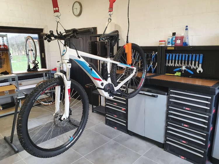 Tims Bikehoeve Herstellingen van E-Bikes, Pedelecs en Fietsen